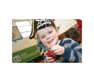 Spielen mit Playmobil©SOS-Kinderdorf Worpswede